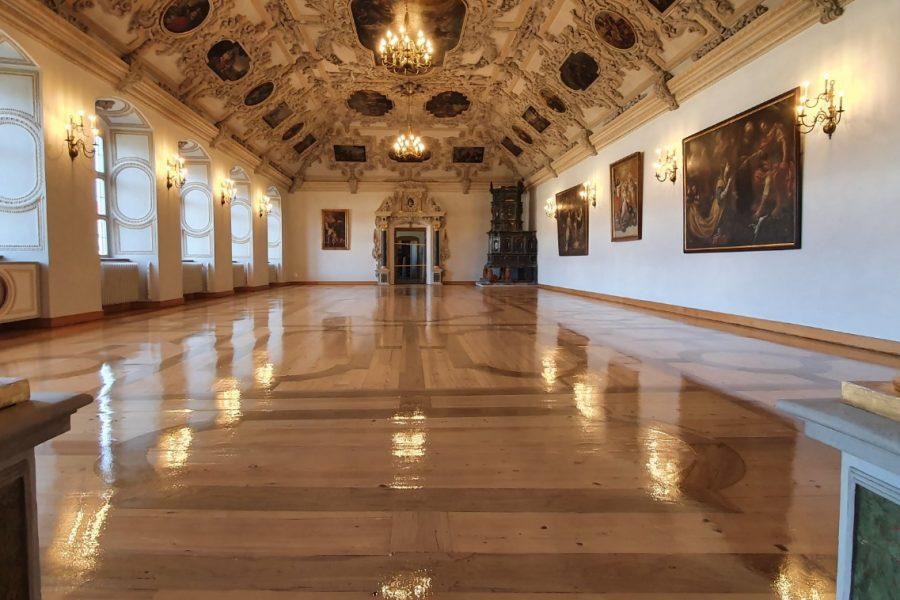 Parkettrenovierung im Barocksaal, Kloster Beneditkbeuern